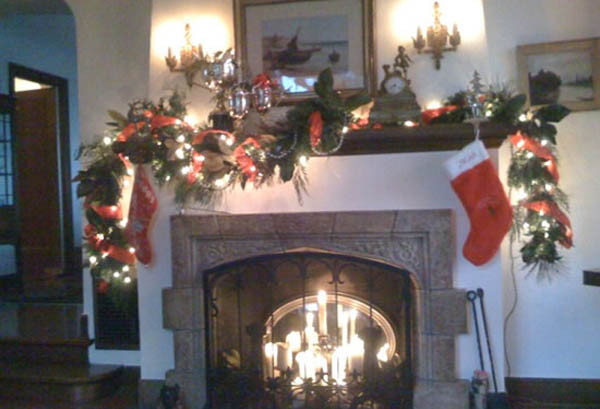 Fireplace Mantel Holiday Decorating Ideas