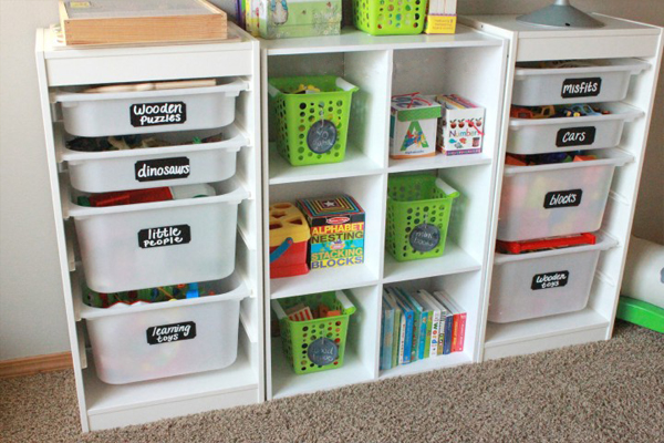 kid's room organized