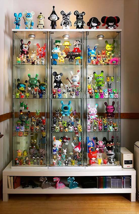 Put toys on display